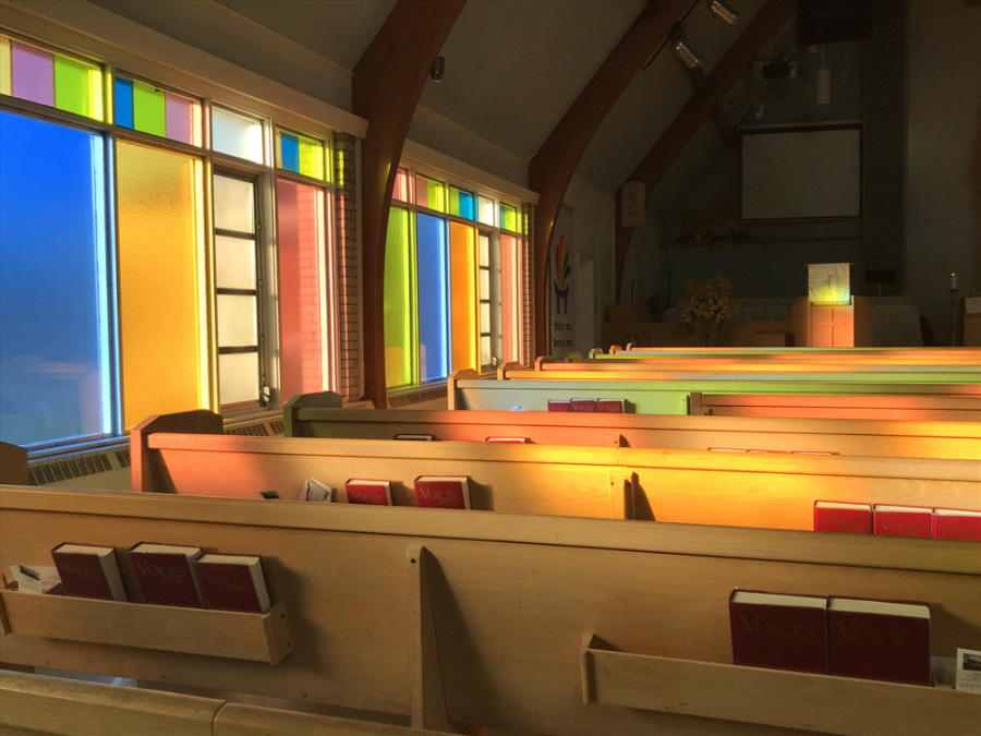 Setting-sun-on-pews-web